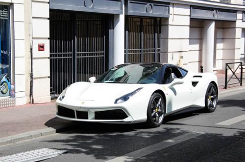 Ferrari 488 GTB mới mua của Cường Đô la có gì đặc biệt? - 3