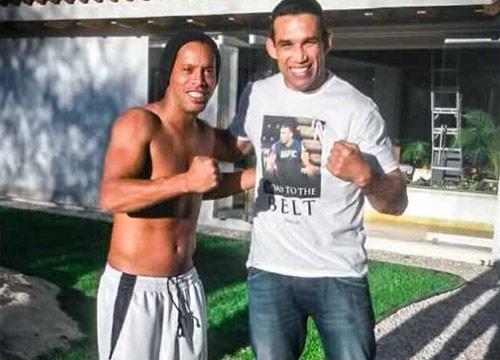 """Messi, Rô """"béo"""", Ibra từng """"quyết đấu"""" với SAO UFC - 9"""