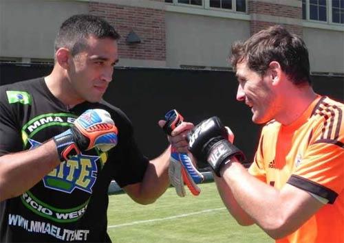 """Messi, Rô """"béo"""", Ibra từng """"quyết đấu"""" với SAO UFC - 7"""