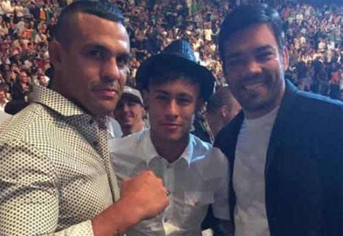 """Messi, Rô """"béo"""", Ibra từng """"quyết đấu"""" với SAO UFC - 6"""