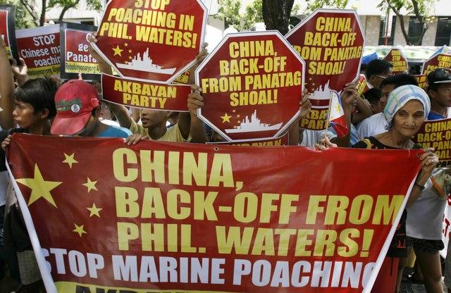Trung Quốc nhờ Mỹ nối lại đàm phán với Philippines - 1