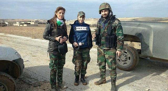 """Những nữ nhà báo không sợ """"đầu rơi máu chảy"""" ở Syria - 7"""