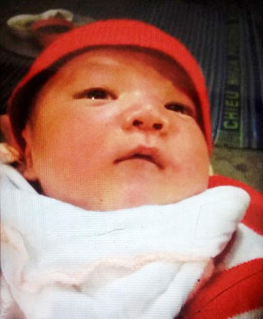 Bé trai 10 ngày tuổi nghi bị bắt cóc ngay tại nhà - 1
