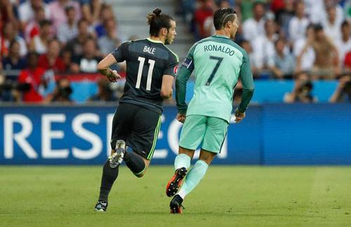 "Quyền lực Real Madrid: Bale chờ ""vuốt mặt"" Ronaldo - 2"