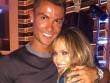 Giải sầu vì chấn thương, Ronaldo vô tư nhảy cùng bồ cũ