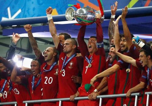Những khoảnh khắc ấn tượng của Euro 2016 - 5