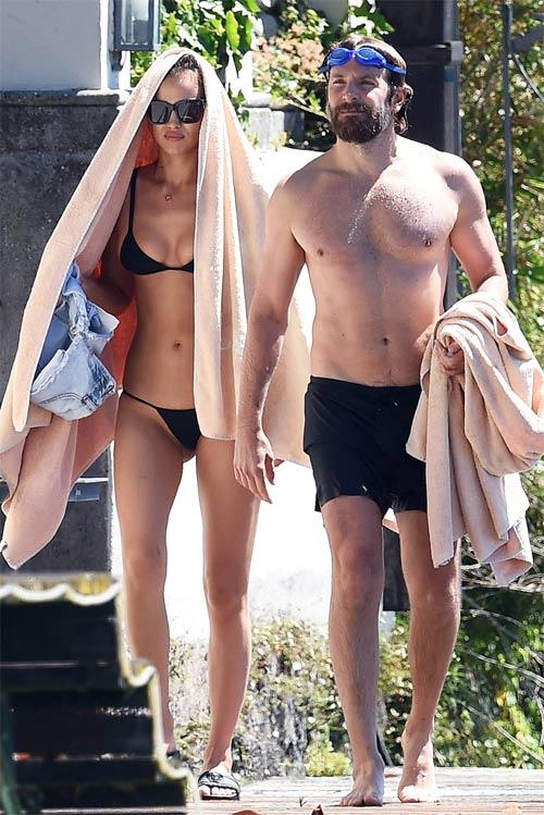 Irina Shayk diện bikini nhỏ xíu, gợi cảm bên người tình - 8