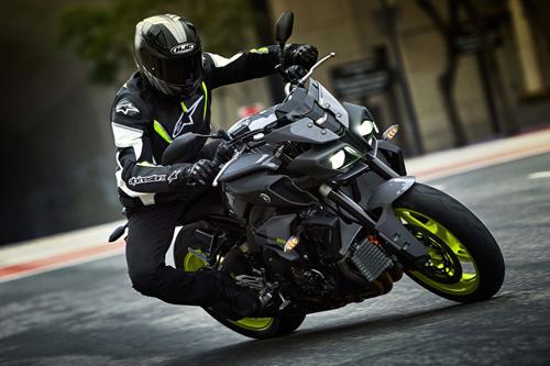 Yamaha FZ-10 2017: Chiến binh đường phố - 1
