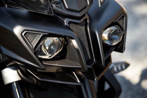 Yamaha FZ-10 2017: Chiến binh đường phố - 3