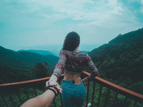 """Ghen tị cặp đôi Việt """"nắm tay nhau đi khắp thế gian"""" - 13"""