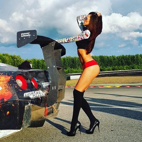 Nữ sinh nước Nga nhịn ăn 4 ngày để giành giải hoa hậu - 2