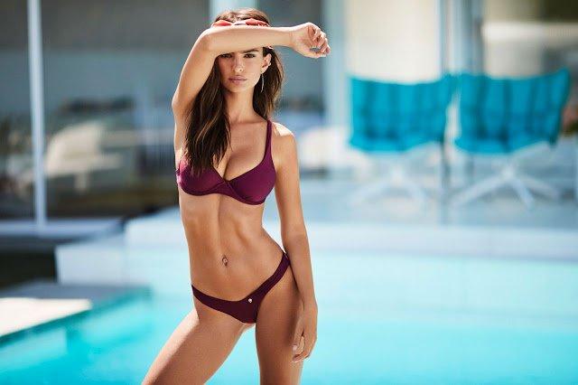 Mẫu nữ hút 7,1 triệu fan bày cách chụp bikini đẹp mê người - 2