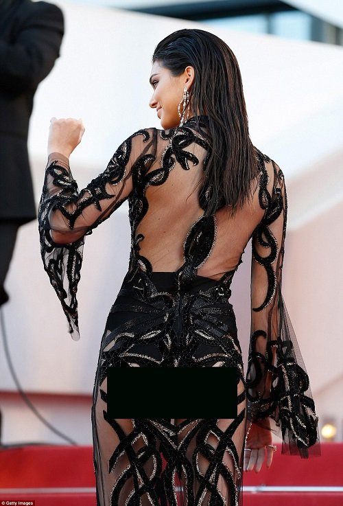 """Kendall Jenner thích mặc """"thả rông"""" để sexy hơn - 7"""