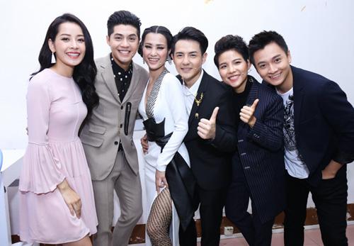 """Chi Pu bất ngờ tham gia """"bộ sậu"""" The Voice Kids - 11"""