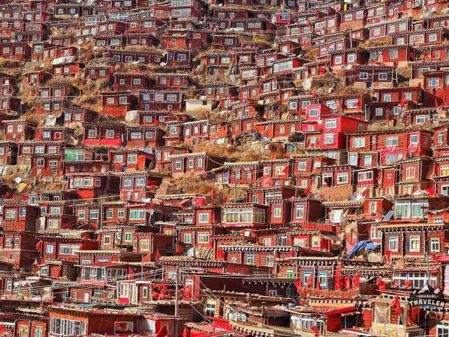 Ngắm Học viện Phật giáo lớn nhất thế giới ở Tây Tạng - 2