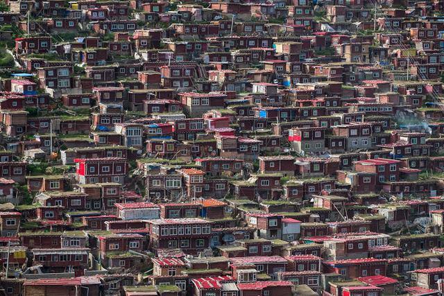 Ngắm Học viện Phật giáo lớn nhất thế giới ở Tây Tạng - 4