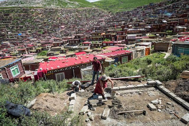 Ngắm Học viện Phật giáo lớn nhất thế giới ở Tây Tạng - 6