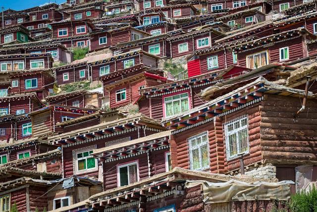 Ngắm Học viện Phật giáo lớn nhất thế giới ở Tây Tạng - 7