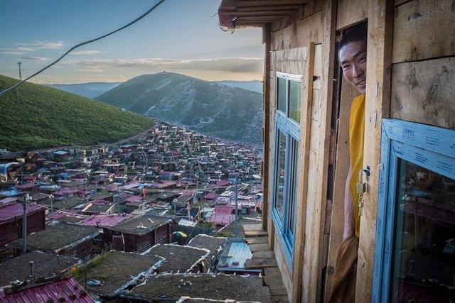Ngắm Học viện Phật giáo lớn nhất thế giới ở Tây Tạng - 10