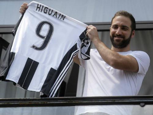 Tổng giá trị 140 triệu euro, Higuain chỉ thua 2 SAO bự - 1