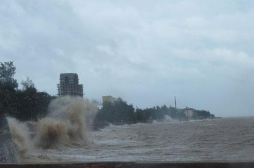 Bão số 1 đã suy yếu thành áp thấp nhiệt đới - 5