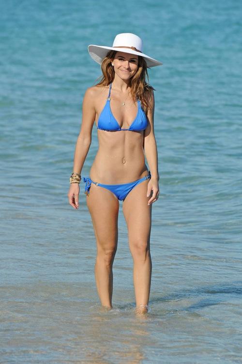 Ngắm loạt sao Hollywood sexy với bikini bé xíu - 7