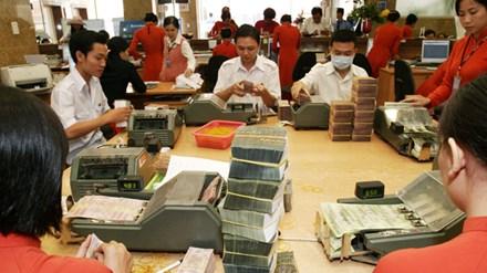 Hạ lãi suất: Bài toán khó cho Ngân hàng Nhà nước - 1