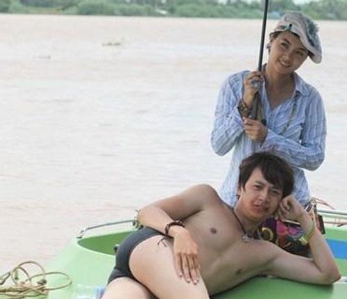 """""""Vỡ mộng"""" khi Sơn Tùng, Noo Phước Thịnh khoe thân - 11"""