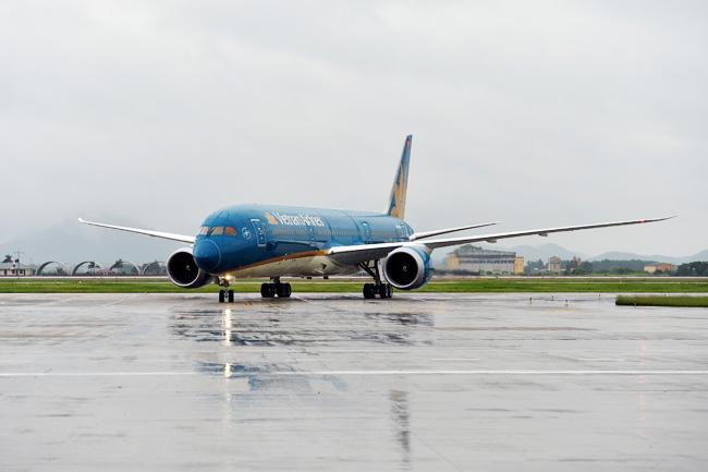 Nhiều chuyến bay đến sân bay Nội Bài bị hủy do bão số 1 - 1