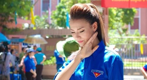 Đủ kiểu scandal làm từ thiện của người đẹp Việt - 6
