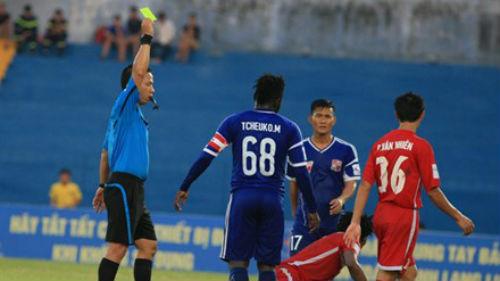 Trọng tài bóng đá Việt Nam: Cuộc khủng hoảng chưa có hồi kết - 1