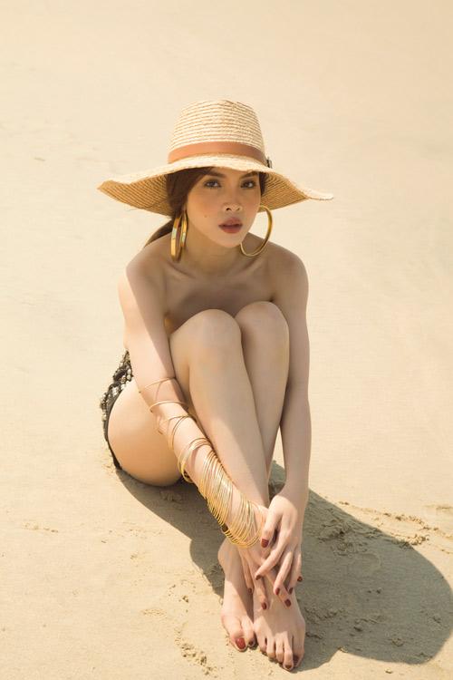 Yến Trang tung ảnh bán nude trên bãi biển - 1