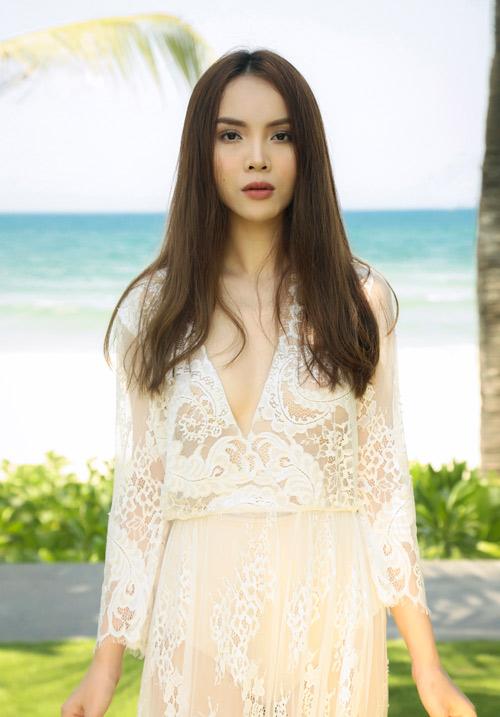 Yến Trang tung ảnh bán nude trên bãi biển - 12