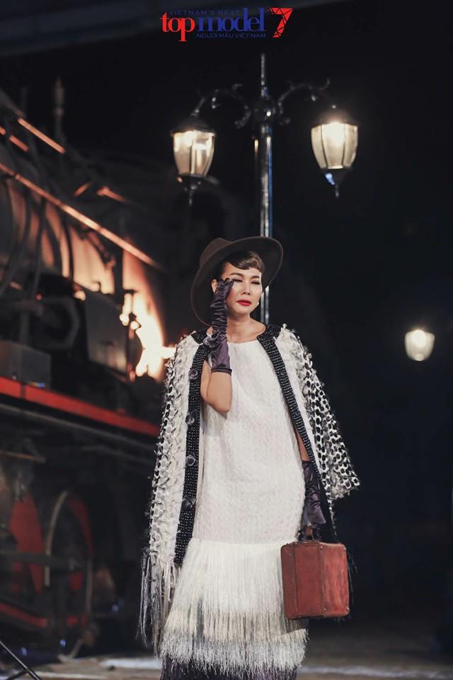 Thanh Hằng hóa thân quý cô thập niên 60 - 1