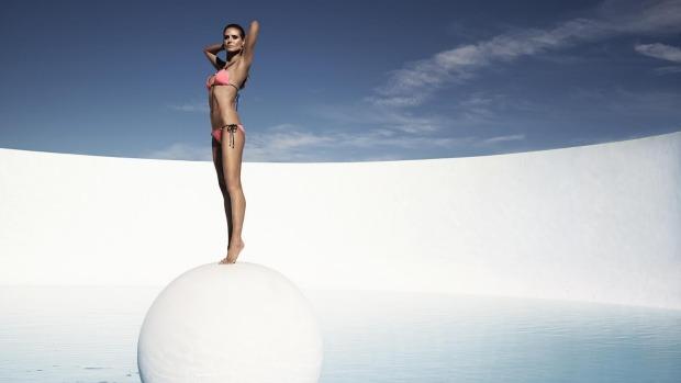 Siêu mẫu nóng bỏng Heidi Klum sợ bikini nhiều dây - 7