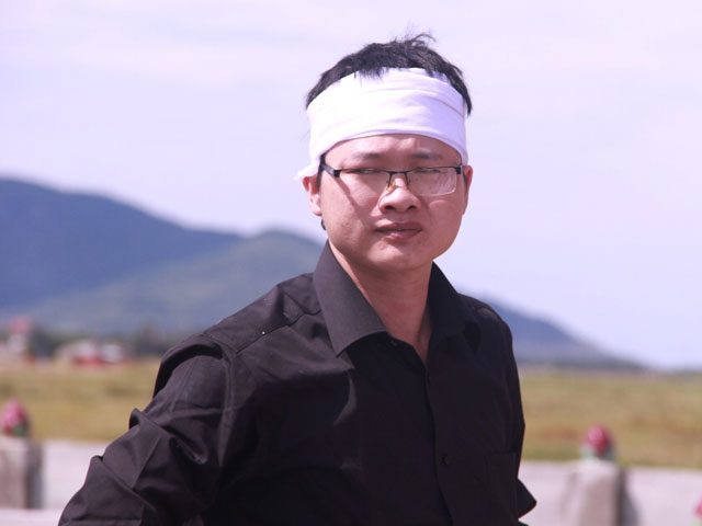 Thiếu úy từ chối chữa ung thư để cứu con về với đất mẹ - 6