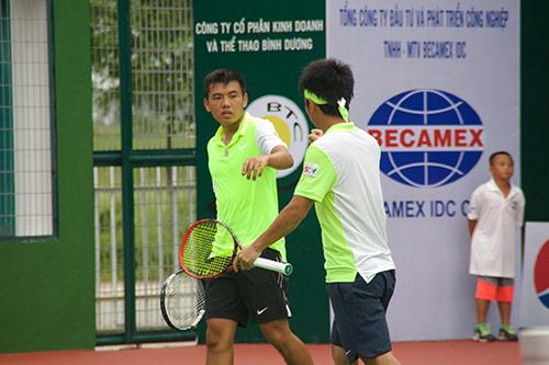 Hạ hạt giống số 2, Hoàng Nam mệt lả vào bán kết đôi Men's Futures - 2