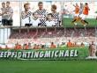 Hàng loạt SAO F1 xỏ giầy đá bóng tri ân Schumacher