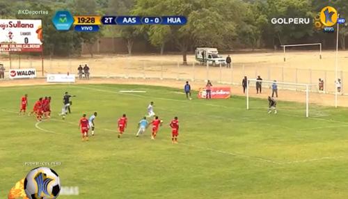 Tẽn tò vì bắt chước đá penalty kiểu Messi - Suarez - 1