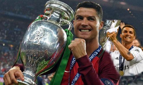 Ronaldo - Messi: Đua bóng Vàng, đua cả tiền lương - 1