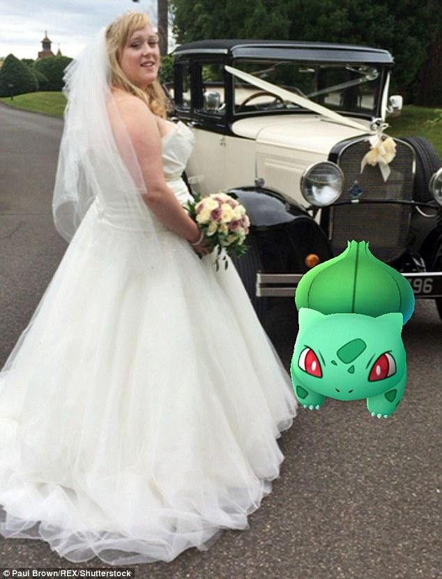 Cô dâu sửng sốt khi lễ cưới thành đấu trường Pokemon - 1