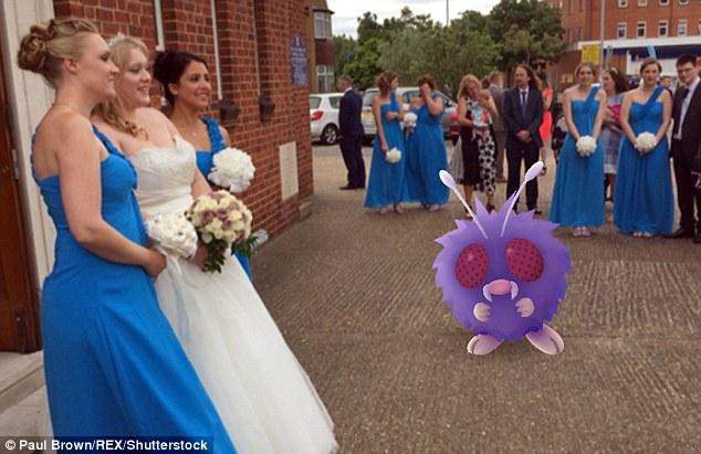 Cô dâu sửng sốt khi lễ cưới thành đấu trường Pokemon - 3