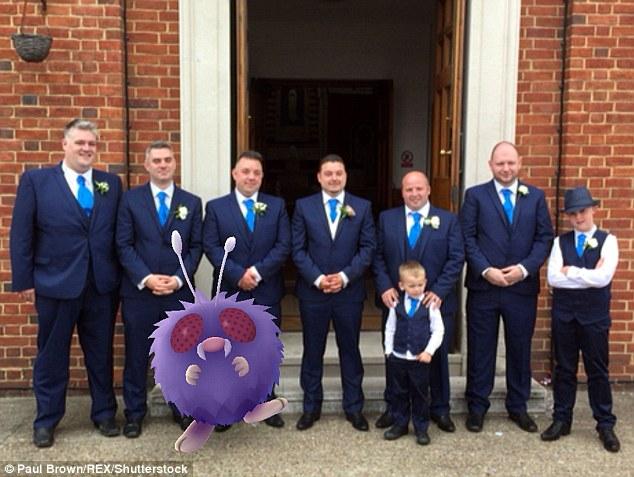 Cô dâu sửng sốt khi lễ cưới thành đấu trường Pokemon - 4