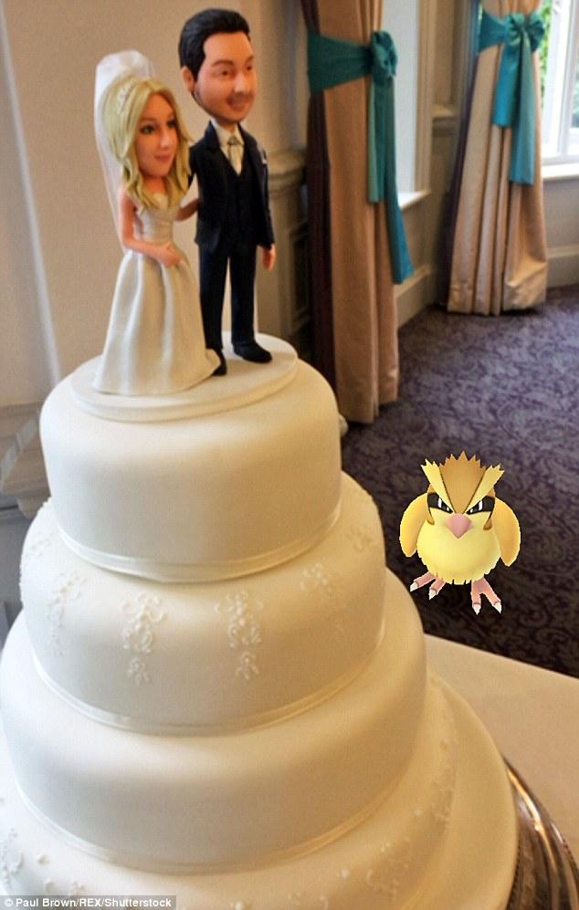 Cô dâu sửng sốt khi lễ cưới thành đấu trường Pokemon - 6