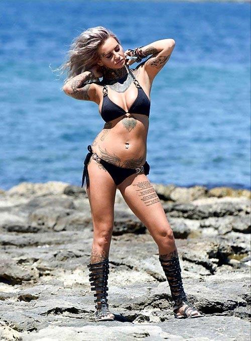 Mỹ nhân xăm trổ đầy người nóng bỏng với bikini - 5