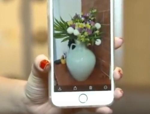 """""""Mẹ vợ"""" phản ứng với bó hoa 10 triệu Trấn Thành tặng Hari - 5"""