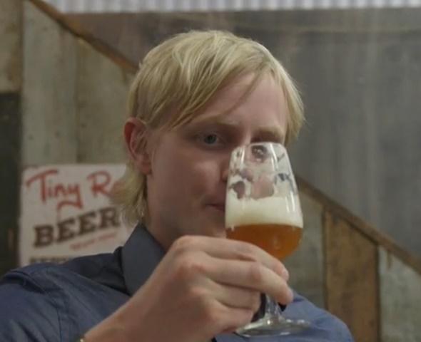 Bỉ chế bia thành công từ… nước tiểu - 1
