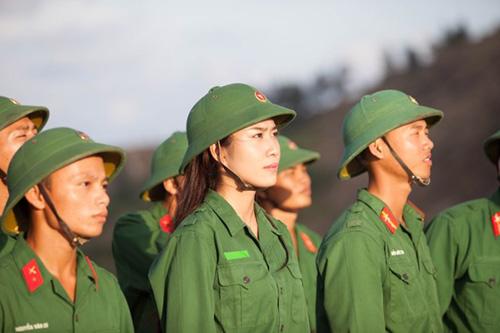 """Chuyện chưa kể về """"Người đẹp Nhân ái"""" Hoa hậu Việt Nam 2016 - 7"""