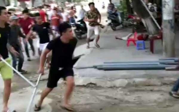 Kẻ cầm đầu vụ truy sát kinh hoàng ở Phú Thọ ra đầu thú - 1