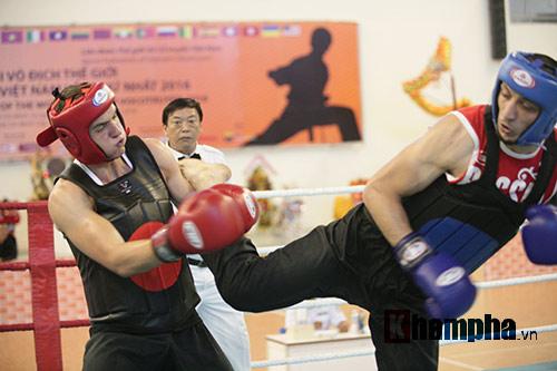 Rung sàn màn đấu võ Việt của hai ông Tây hạng 90kg - 1